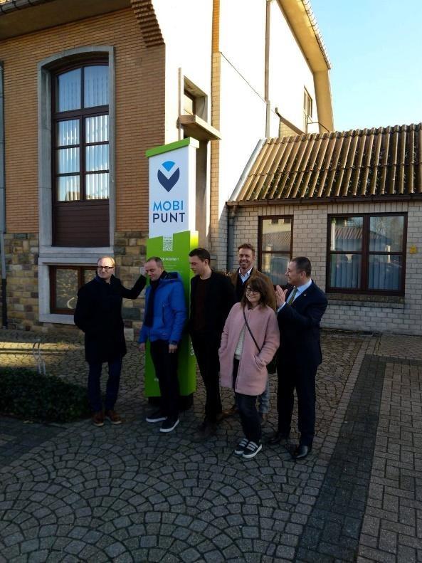Minister Weyts opent mobipunt in Glabbeek, ook Nevele volgt